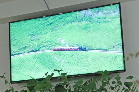 店内に常時流している素敵なスイスの映像はFUNSWISSさん制作のものです。