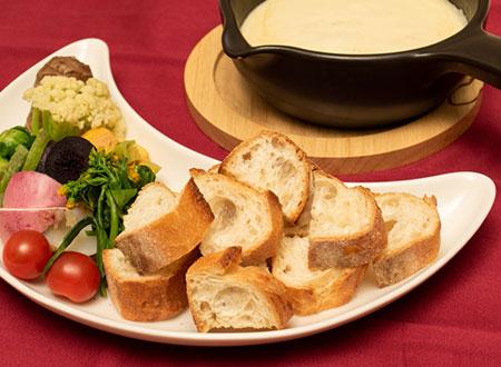 チーズフォンデュ  Fondue au Fromage   (Cheese Fondue)