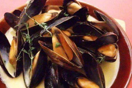 ムール貝の白ワイン蒸し プーレットソース